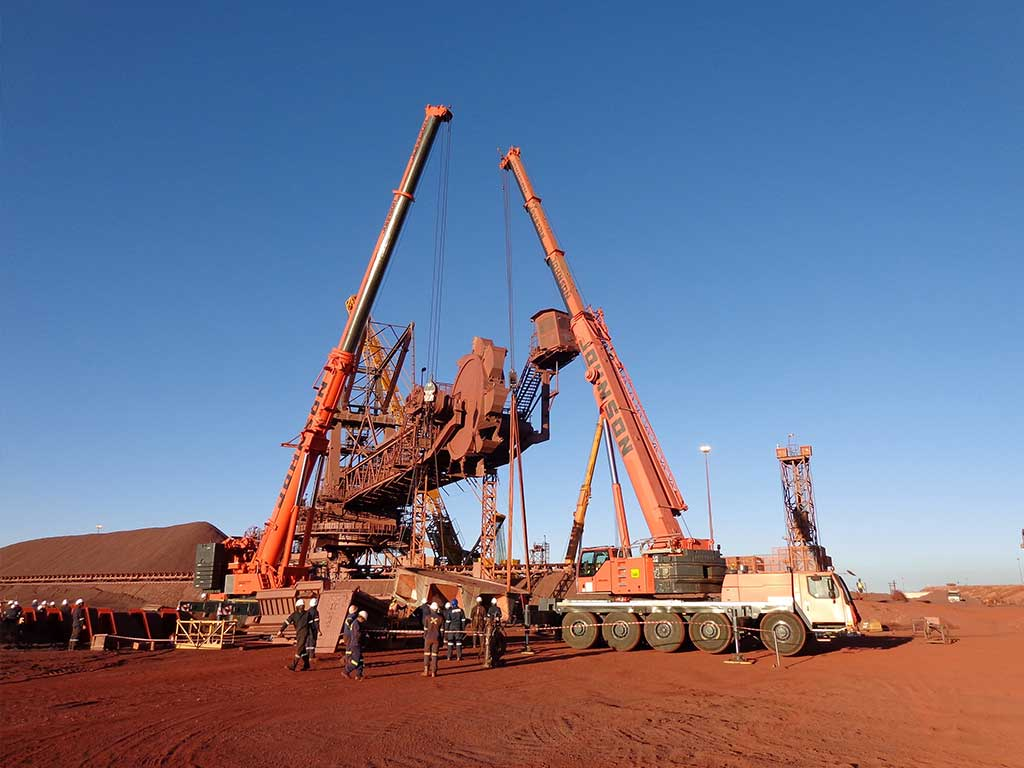 TWO HEAVY LIFTS ON MINE SITE COMPLETED IN 11 DAYS BY JOHNSON CRANE HIRE