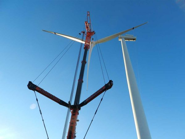 JOHNSON CRANE HIRE PROVIDES HEAVY LIFTING SOLUTION FOR VESTAS WIND FARM CONTRACTS
